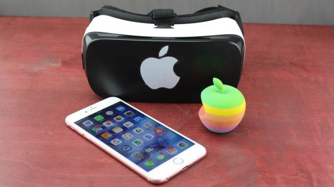 iPhone virtual reality headset